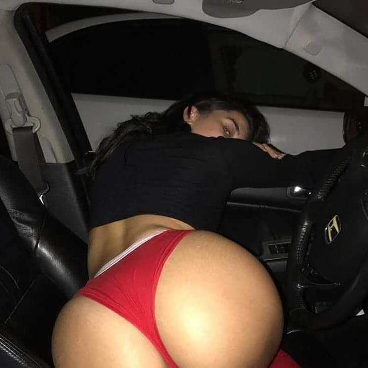 большая задница на машине - 10