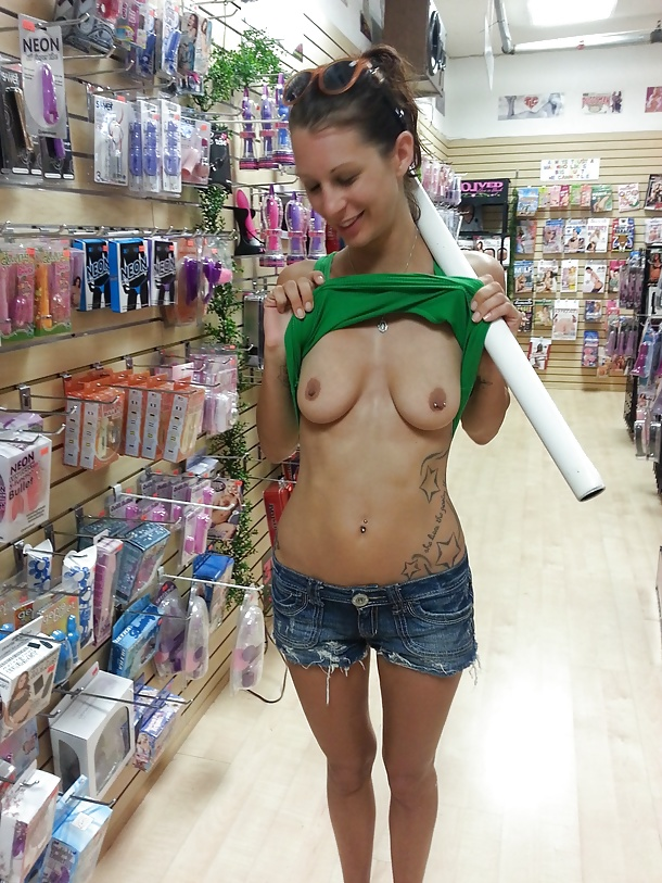 Girls nude in mall ex girlfriend photos