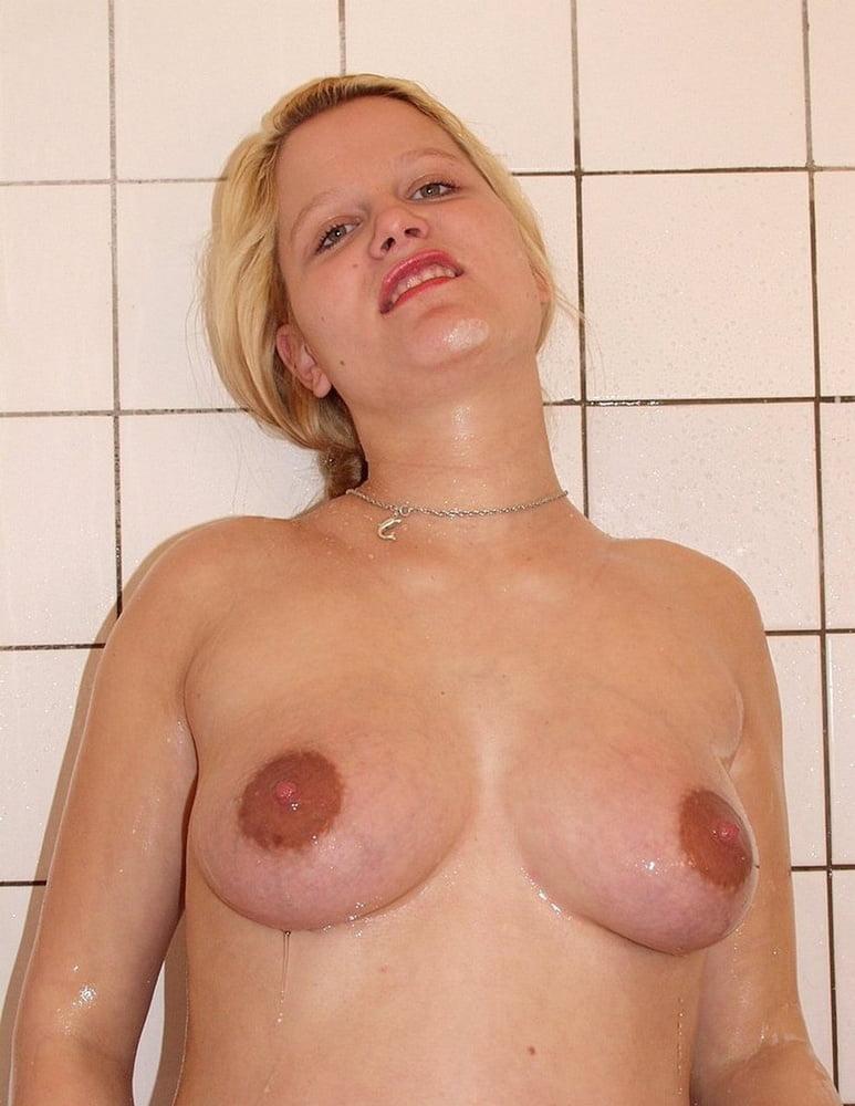 Dame Schulmaedchen Brustwarzen Bukkakesex