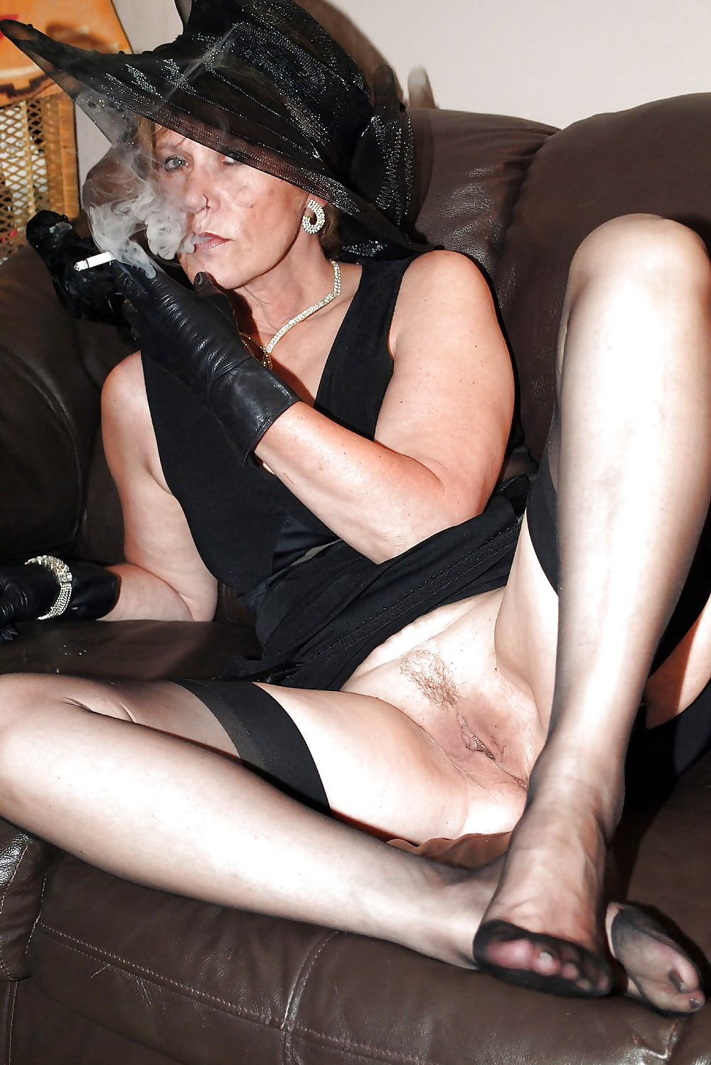 mature-women-smoking-galleries-best-female-actors-nude-pic