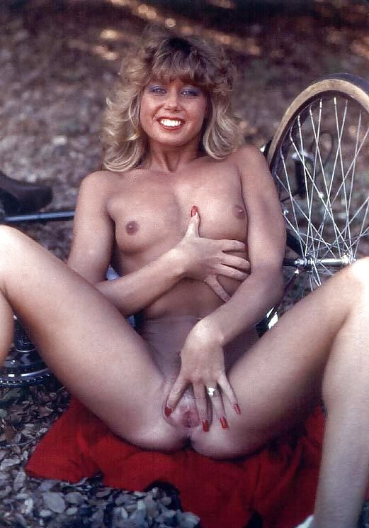 Blondie bee porn star picture gallery