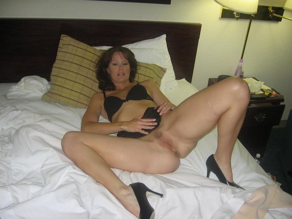 Milf lesbian ass licking