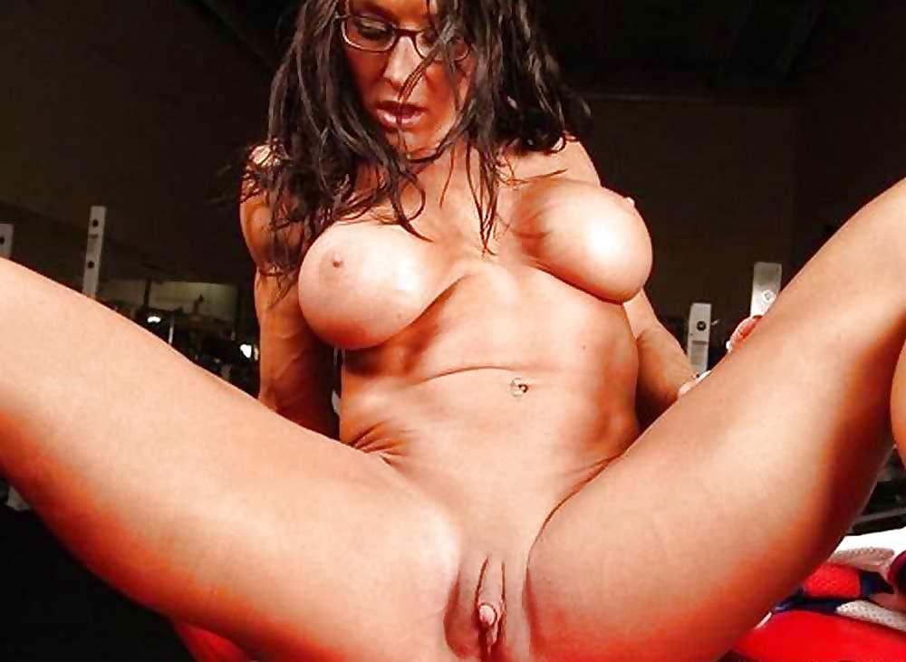 Watch lesbians sucking big clits