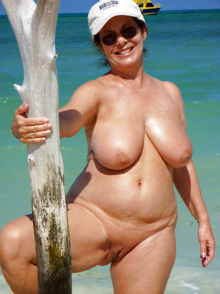 big-boobs-granny-naked-beach-free-moms-pussy-pictures