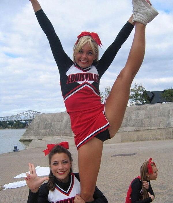 Exposed - Gorgeous Cheerleader Rebecca - 27 Pics