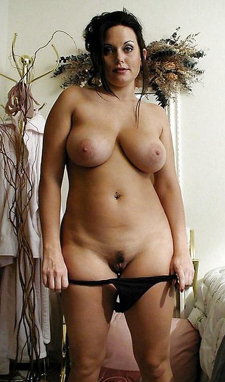 Nude busty mom 7