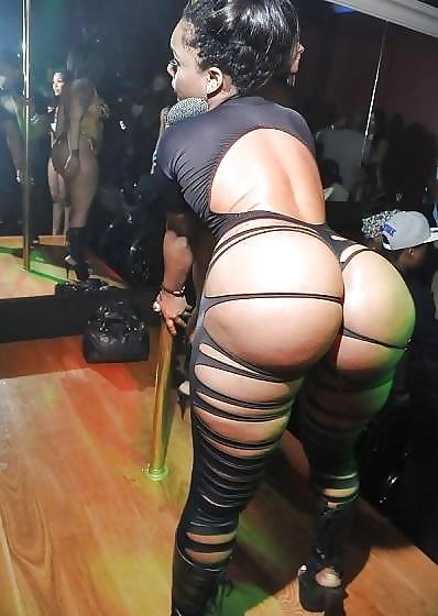 Ebony booty in panties-7167