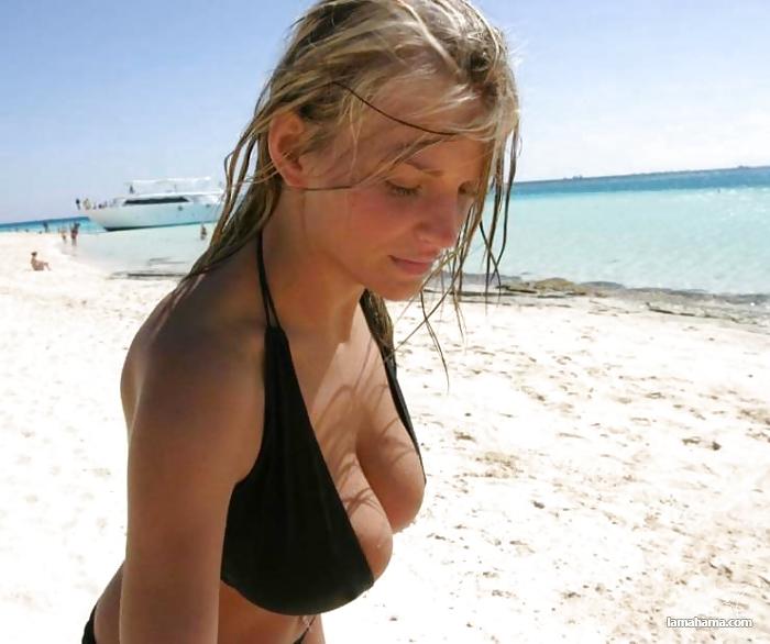 Amatuer nude latinas-8334