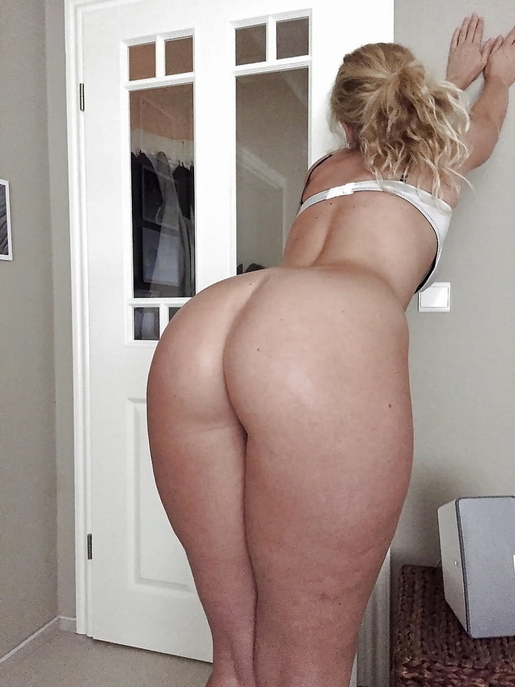 Nude white big booty wifes — img 9