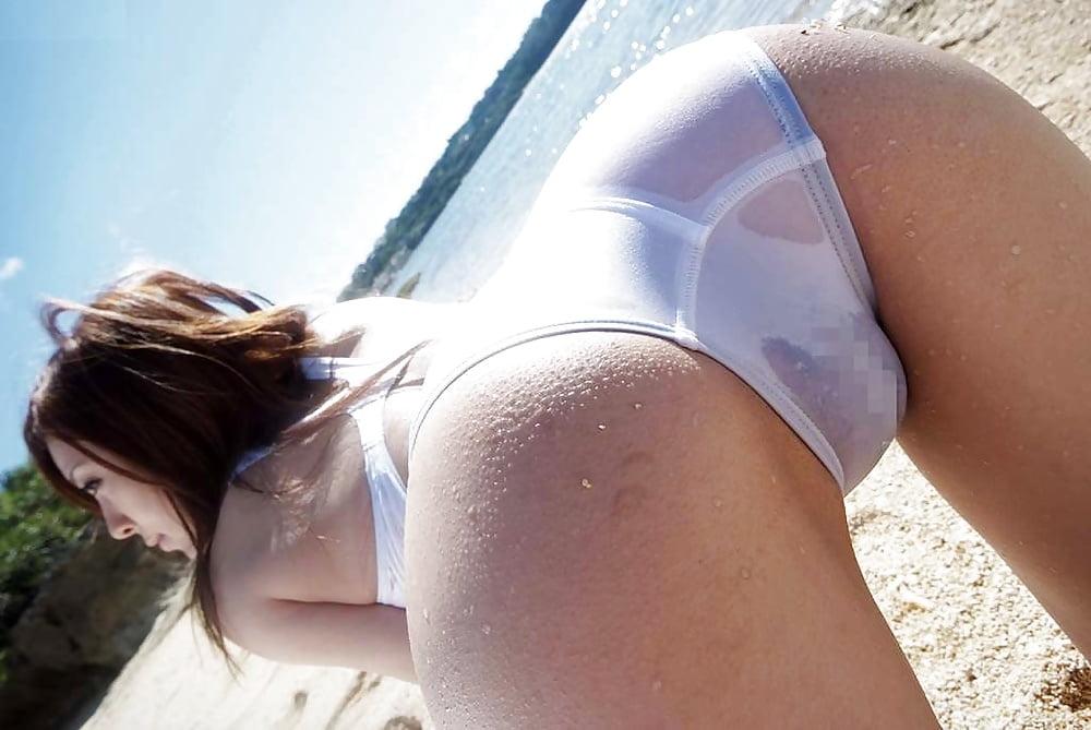 девушка в белом купальнике сперма фотографии