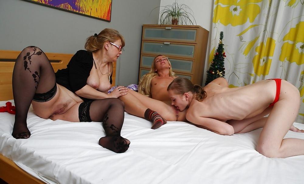 Wild mature lesbian clips