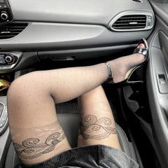 Juicy Lulu Teases You On Car Seat