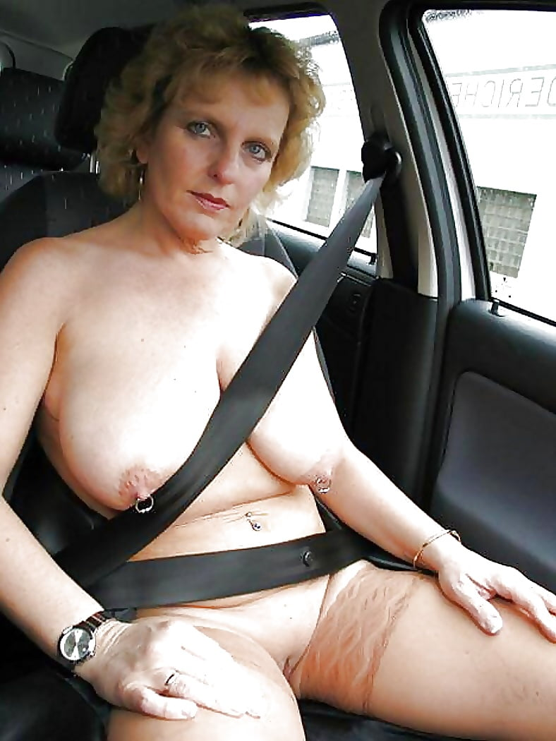 middle-aged-ladys-naked-in-cars-young-naked-twin-lesbians