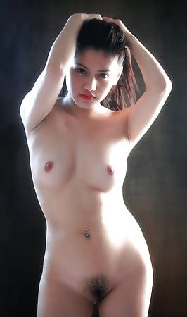 Beautiful naked pinay