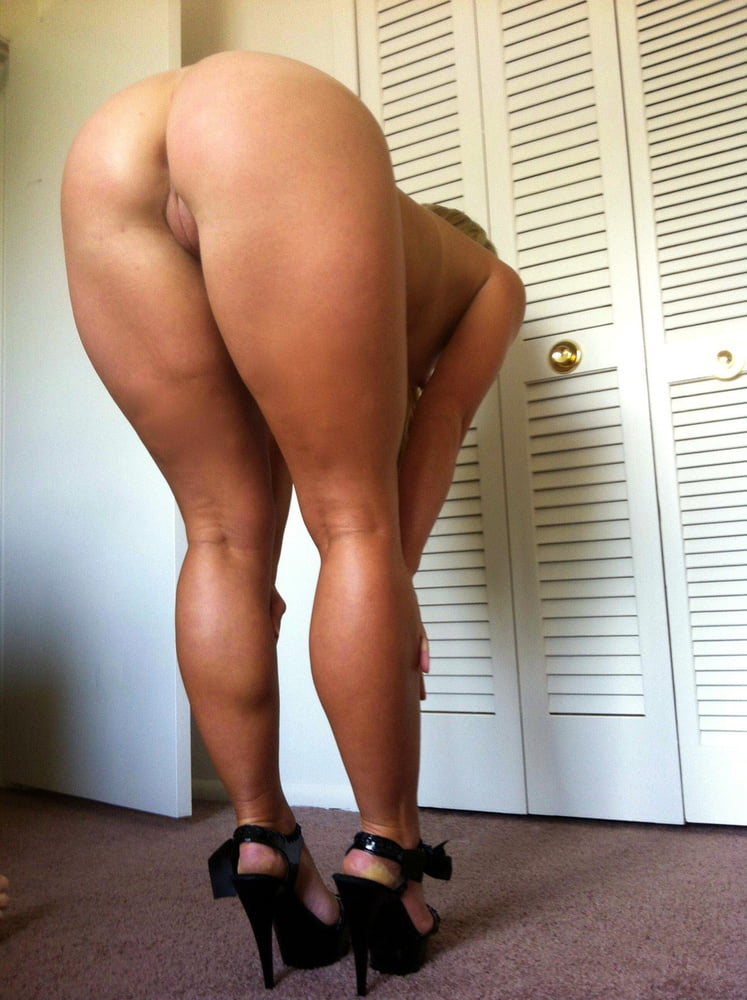 Big booty girls bending over nude — img 14