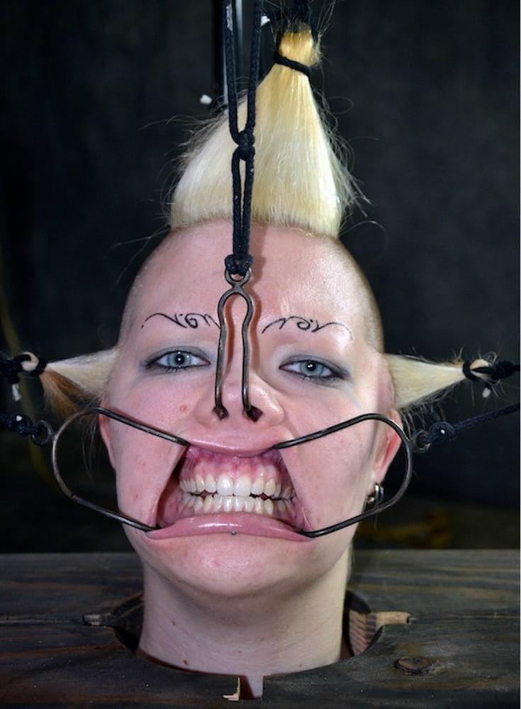 Facial bondage