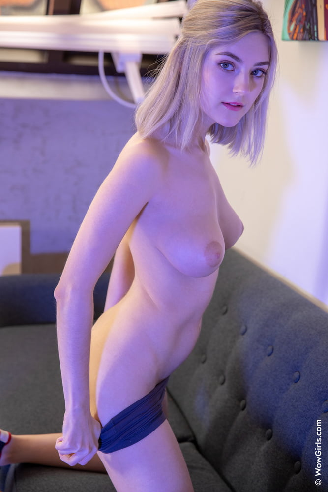 Eva Elfie 9