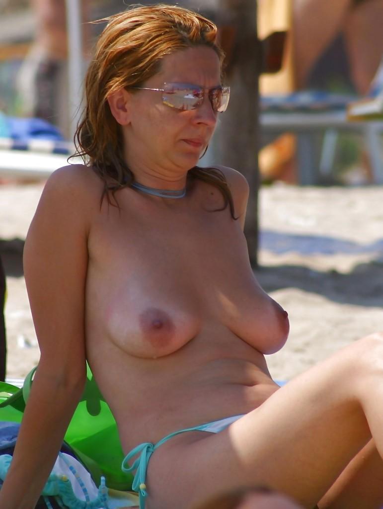 Wifes topless joke — pic 5