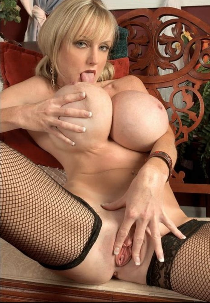 See and save as huge busty milf morgan leigh how to stuff a monokini porn pict