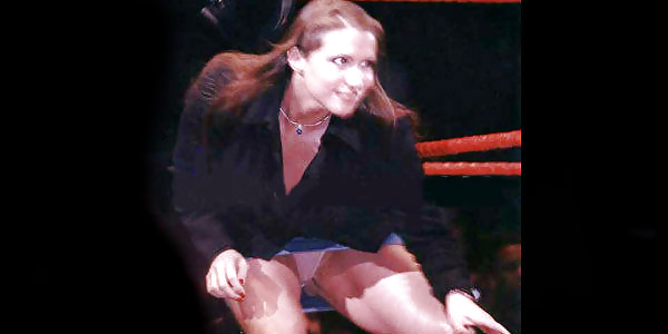 Wwe stephanie mcmahon kiss naked boobes