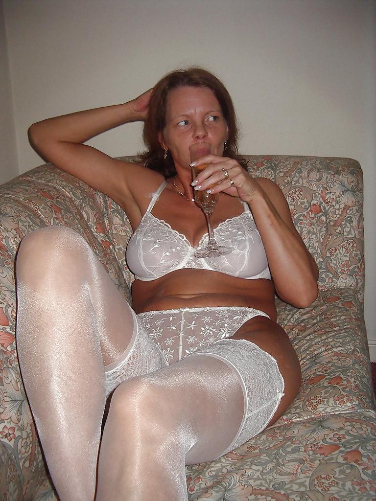Домаш порно женщины бальзаковского возраста в ретро трусах лилипутами