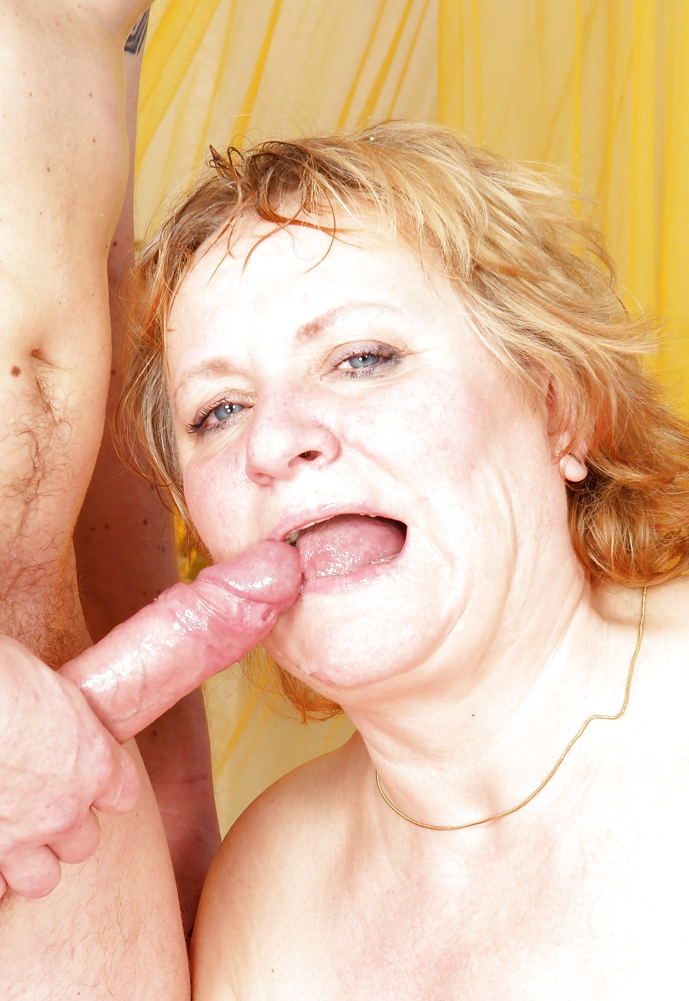 Older woman sucking young man pictures — photo 1