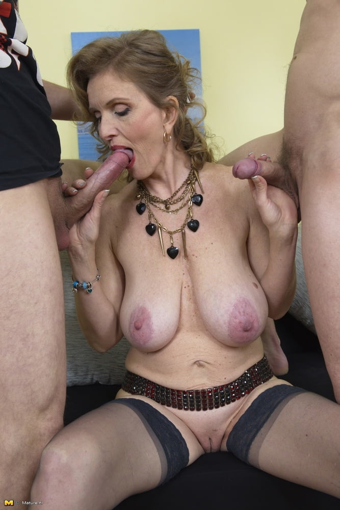 Free sexy housewife-9589