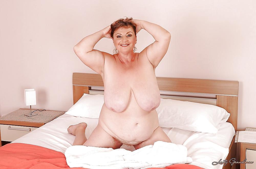 Plump mature porn photo