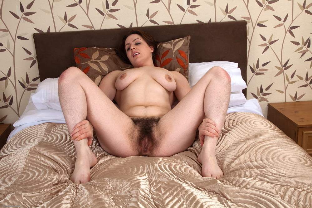 Mecca is a sweet titty naturally hairy milfster