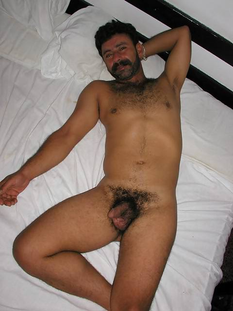 naked-guy-amateur-turkish-sexy