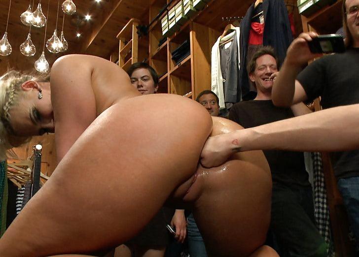 porno-fisting-v-elitnih-klubah