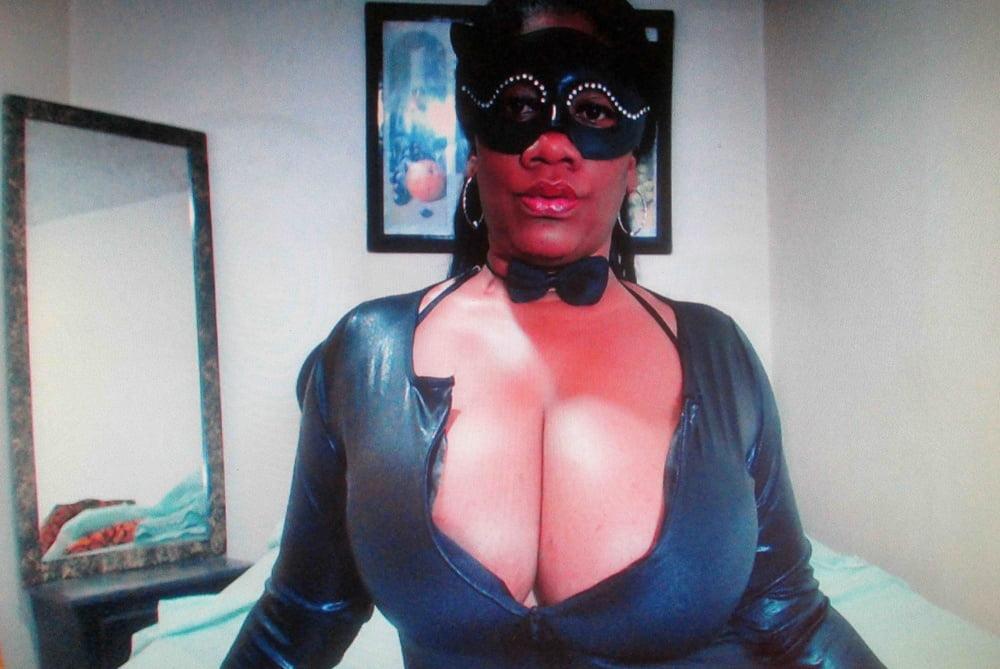 Mature ebony boobs-4269