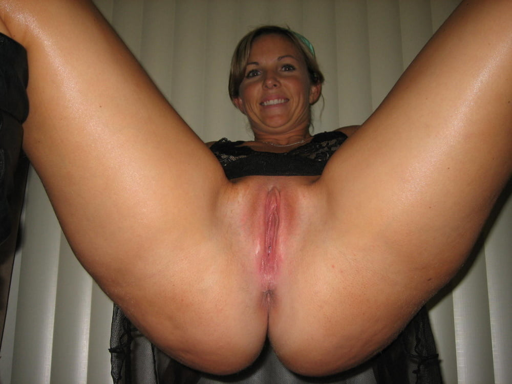 Blonde amateur milf pussy and anal sex