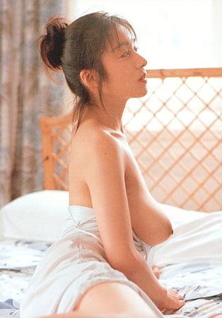 Topless Aoyama Chikako Nude Images
