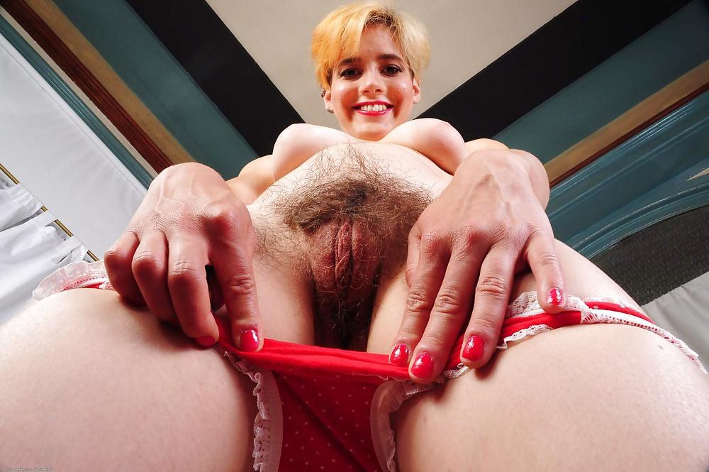 Mature wife bottomless mom nude