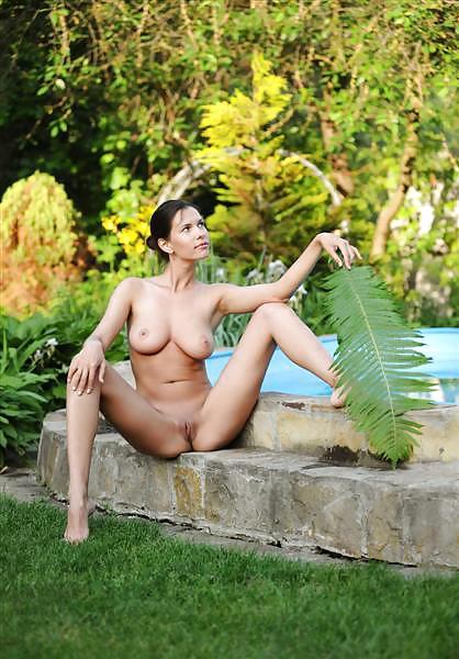 Sexy brünette große brüste