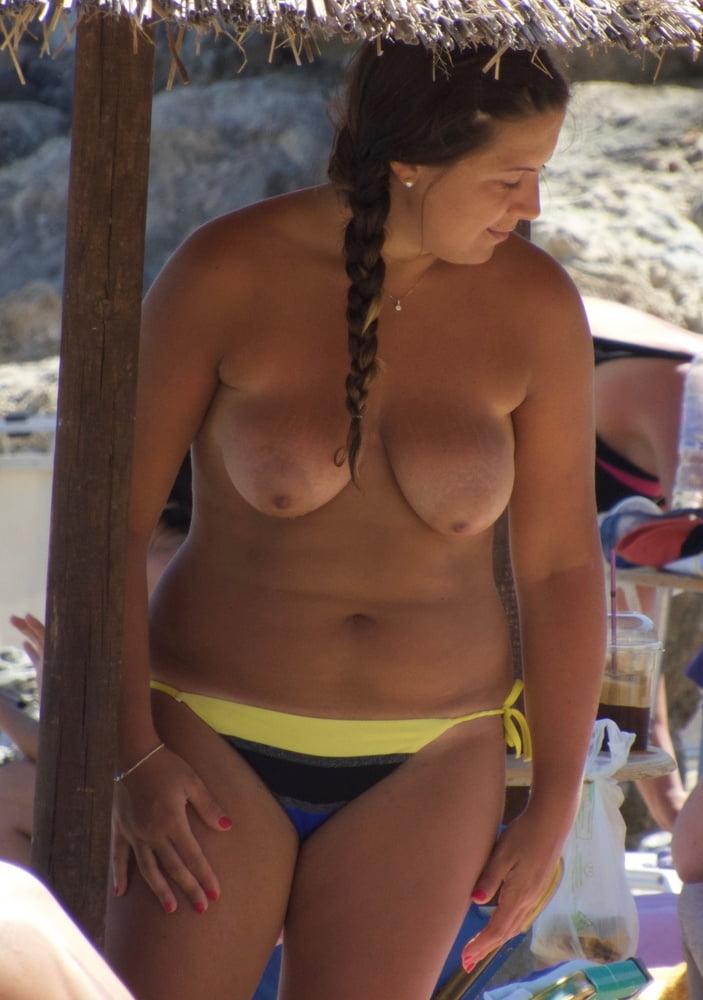 Big boob topless girls