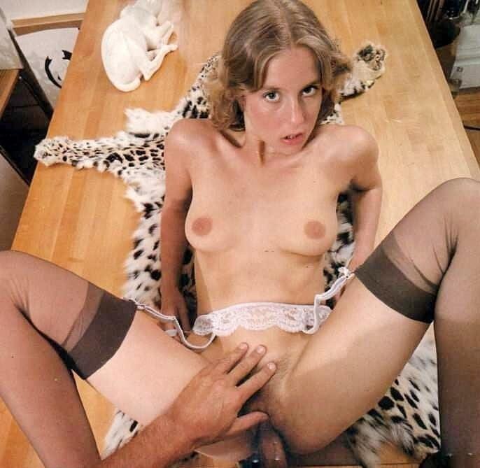 lysa-thatcher-fucks-snake-woman-in-indonesia