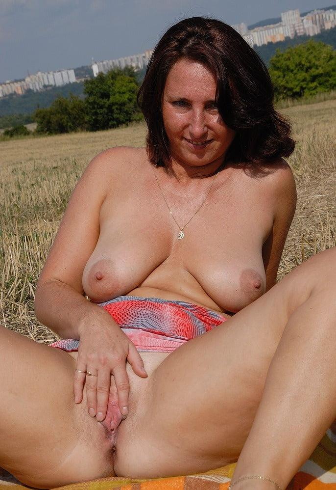 Mature lady sucking dick and fucking dildo webcam