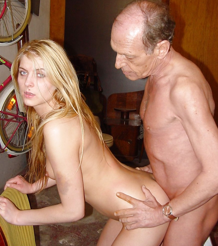 Young Babe With Nice Tits Fucking Older Guy