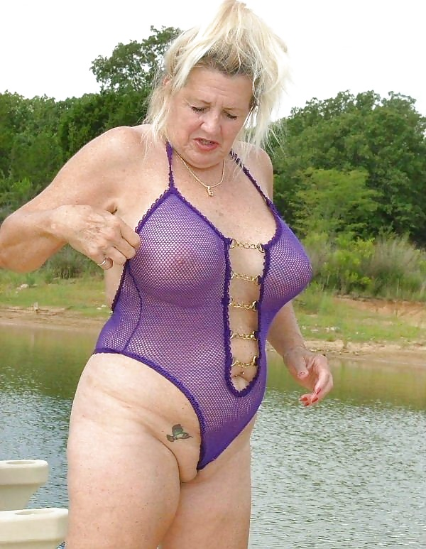 Granny camel toe sex galleries