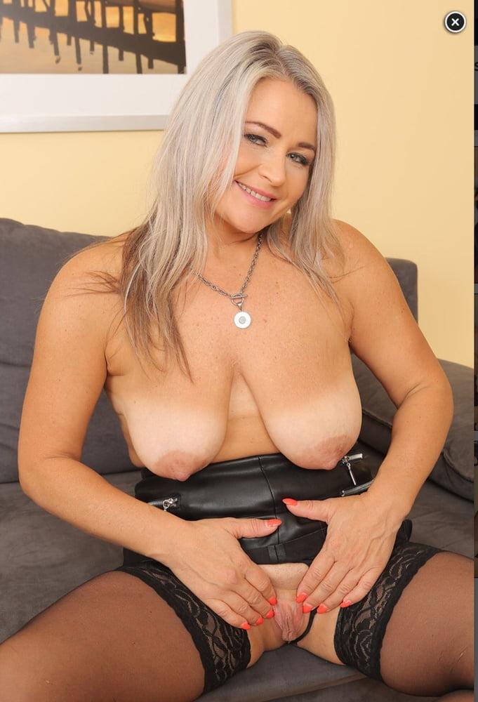 Older Bolder Women 27 - 48 Pics