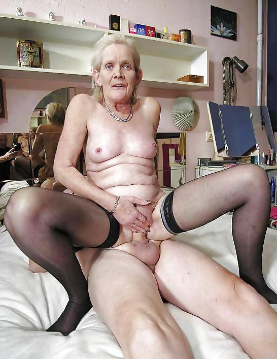 Hot older women having sex-3220