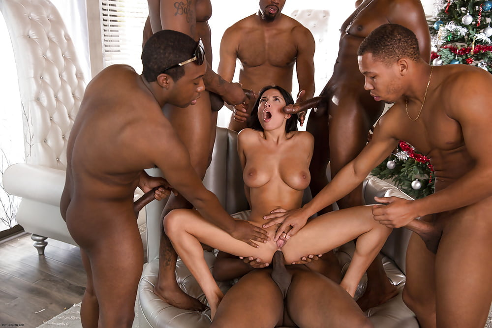 Interracial creampie hubby cleans