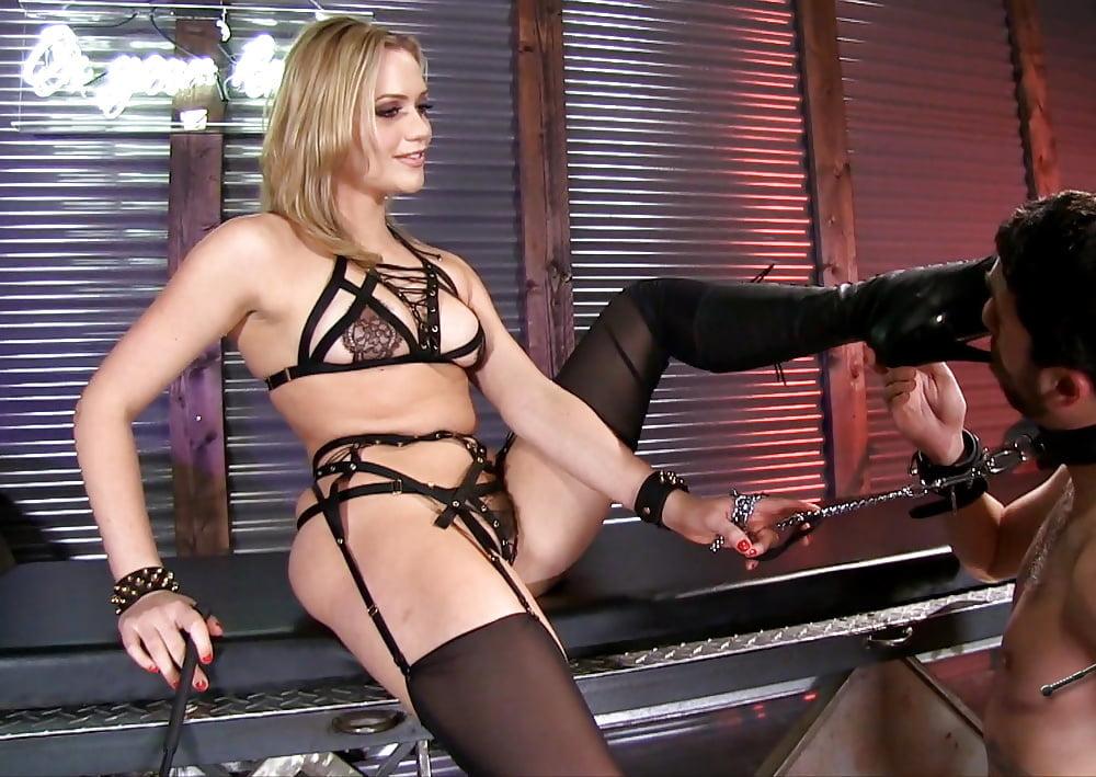 Hot Lena Paul Licking