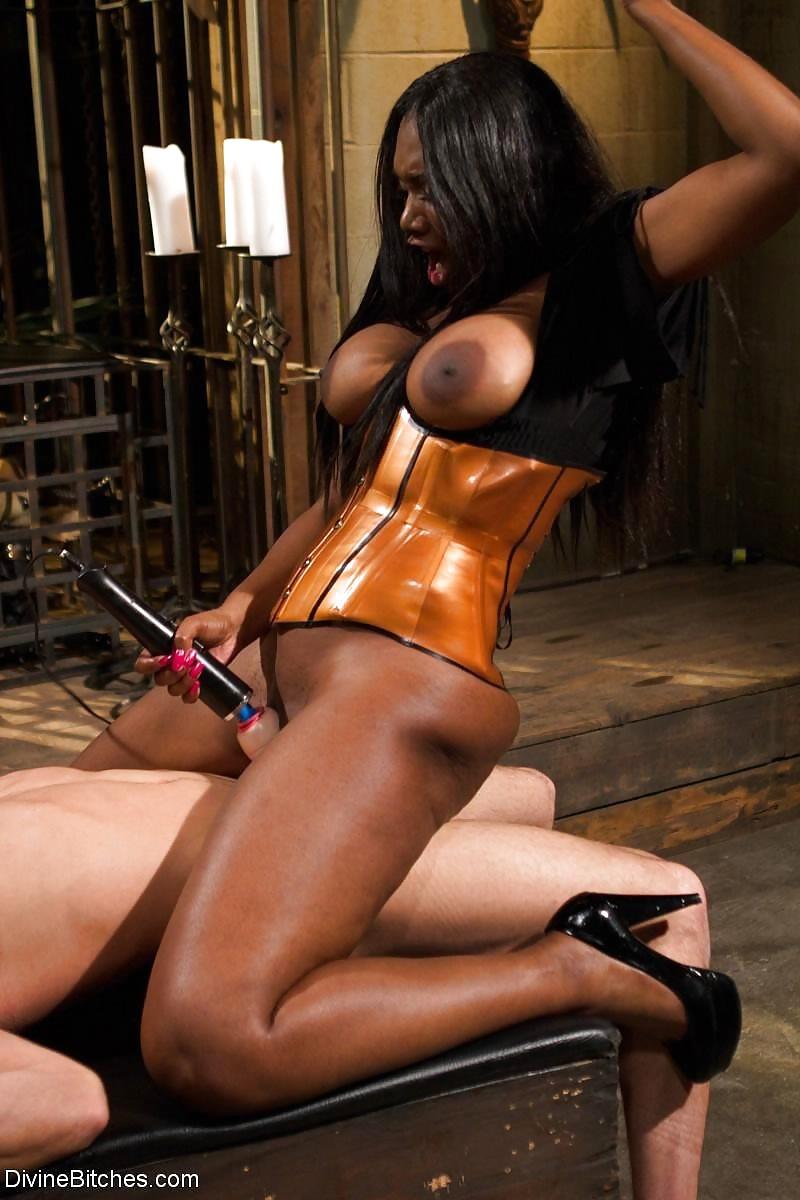 Ebony Beauty Makes Her Landlord Kiss Her Ass