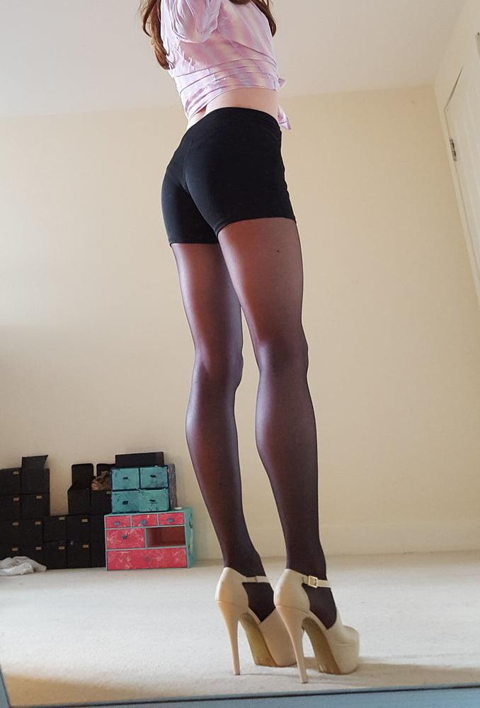 Mature trannies legs