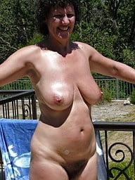 Hairy mature pussies - 37 Pics