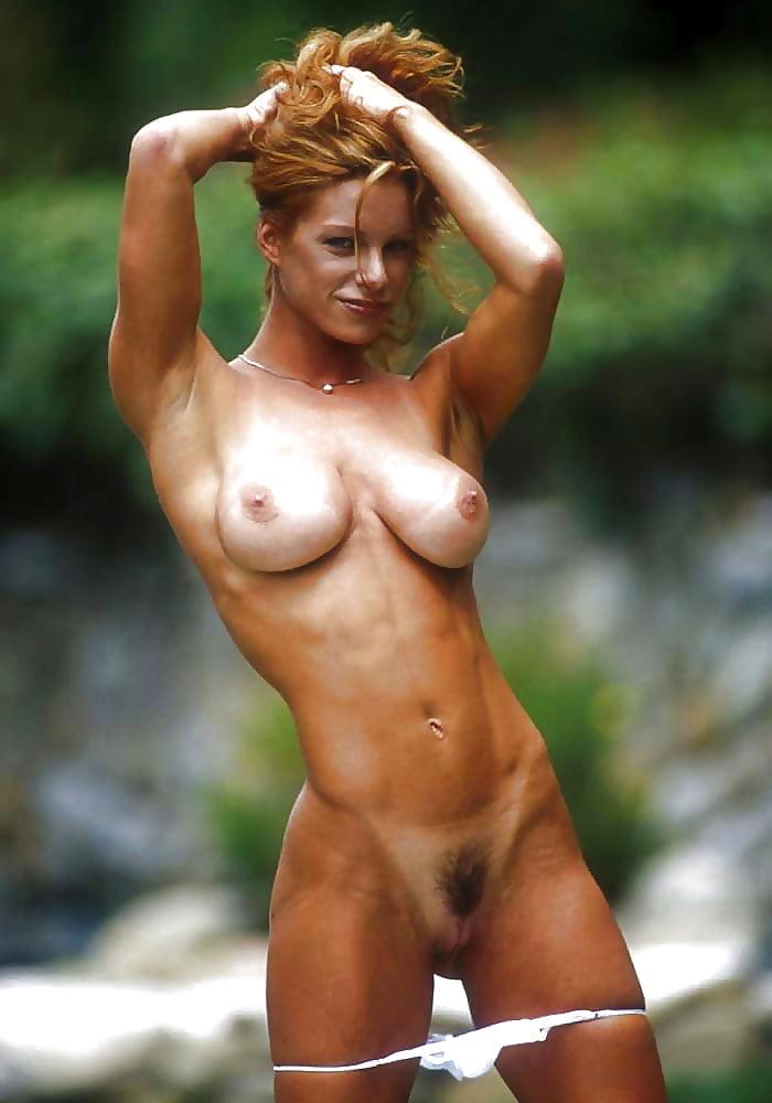 Athletic Hottie Flaunts Firm Little Tits