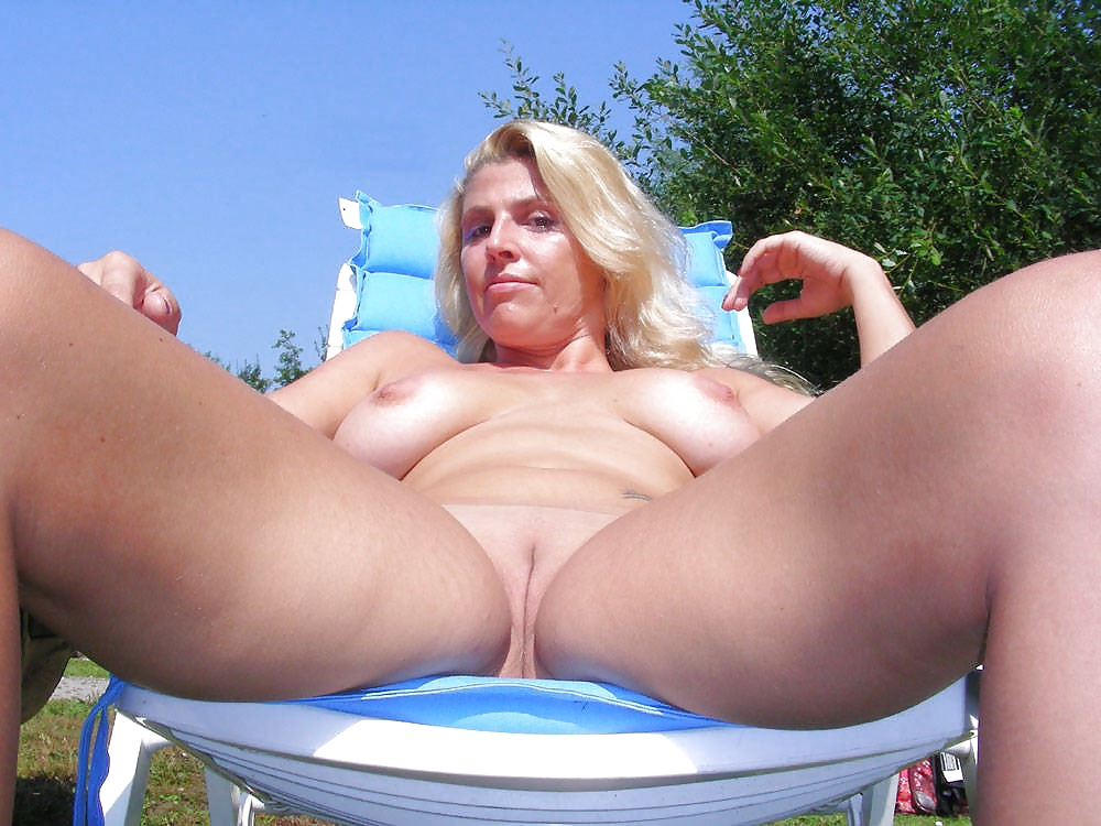 amateur-wife-nude-large-tits-outside